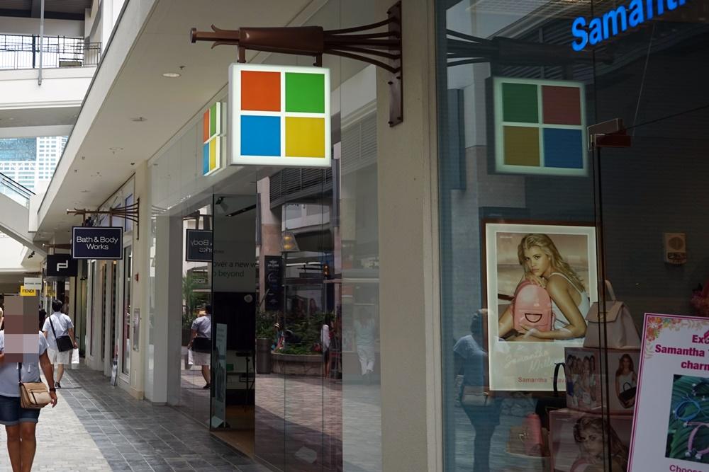 Microsoftの新型ノートPC「Surface Laptop」を触ってみた!